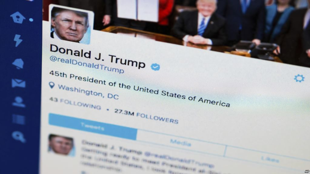 Học tiếng Anh qua bản tin Can US Politicians Legally Block People on Twitter?
