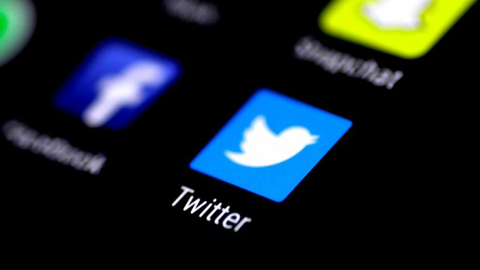 Học tiếng Anh qua bản tin Twitter tests doubling up its character limit