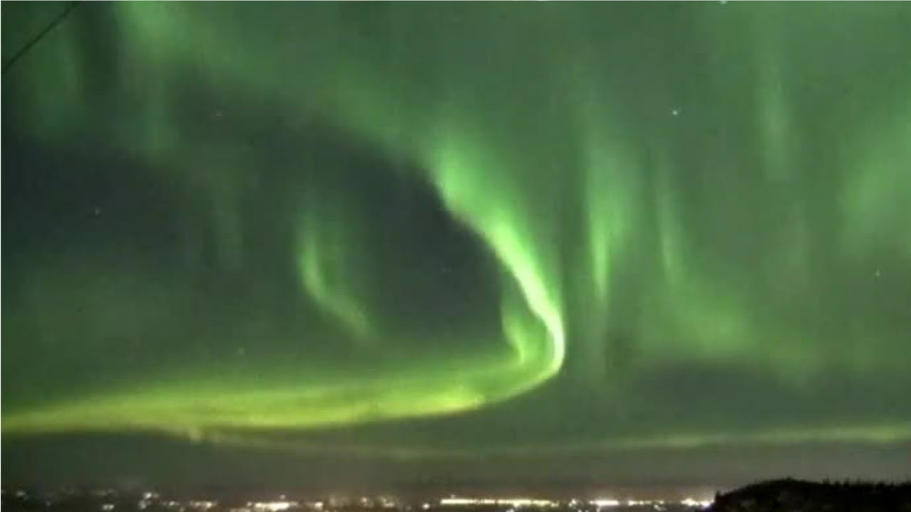 Khoa học - Science Earth Will See Fewer Auroras For Years — But Then They'll Have A Comeback